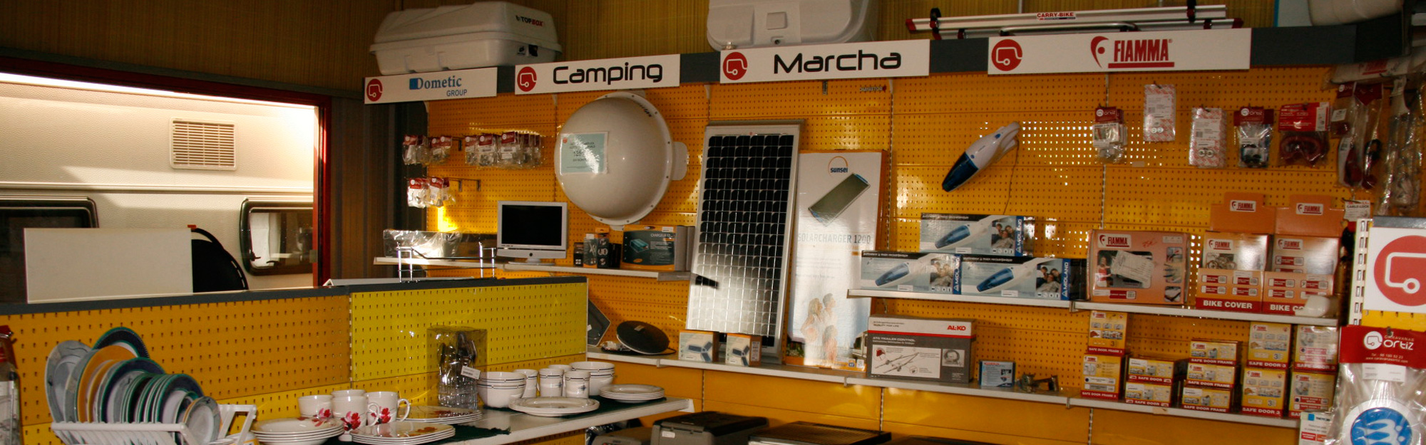 Aspiradoras, antenas, vajillas en la tienda